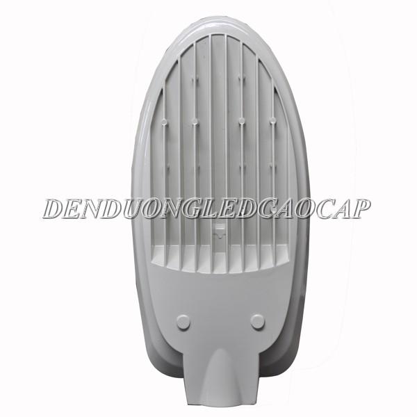Tản nhiệt dọc theo phía sau thân đèn đường led D6-80