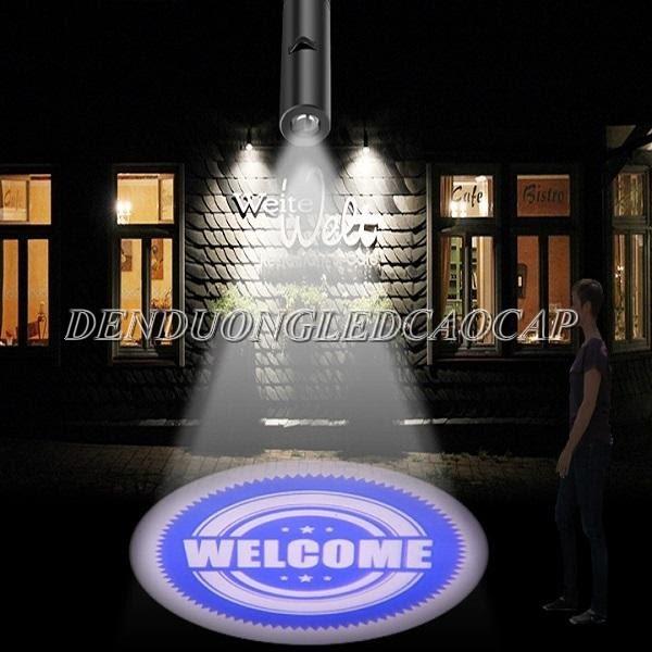 Sử dụng đèn LED chiếu chữ xuống đường làm nổi bật logo