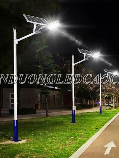 Đèn đường năng lượng mặt trời 20w PIN rời chiếu sáng đường đi KCN
