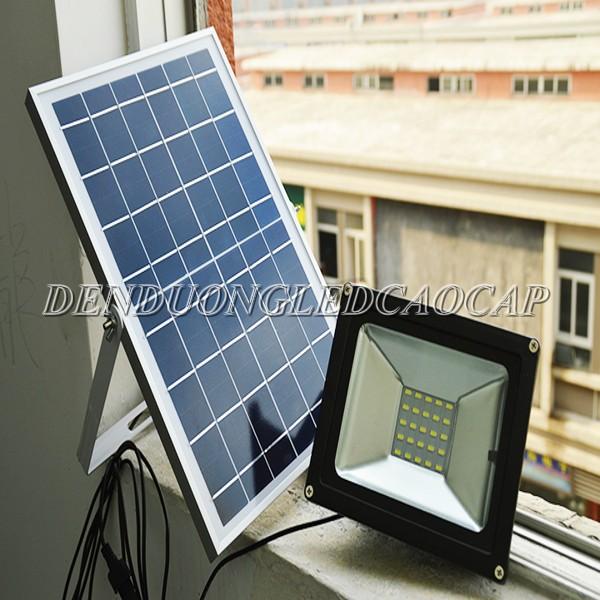 Kiểu dáng đèn pha LED năng lượng mặt trời 150w