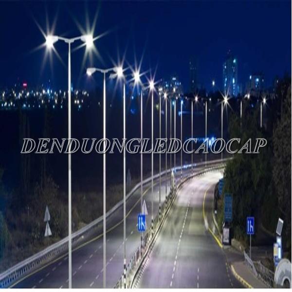 Đèn đường LED D28-100 chiếu sáng đường cao tốc