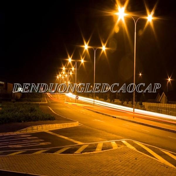 Đèn đường LED D30-100 chiếu sáng đường phố