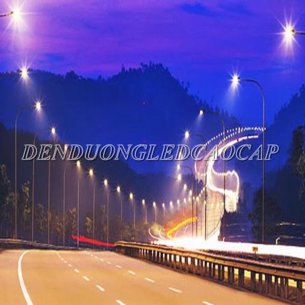 Đèn đường LED D17-100 chiếu sáng đường cao tốc