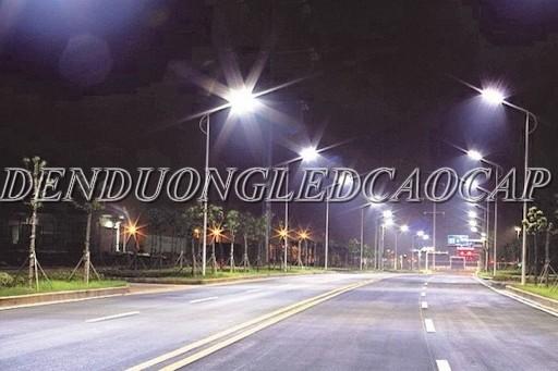 Đèn đường LED D2-100 chiếu sáng đường phố