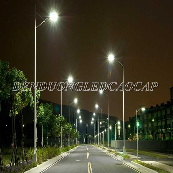 Đèn đường LED D25-100 chiếu sáng đường cao tốc