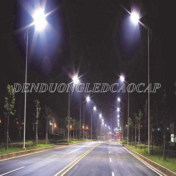 Đèn đường LED D26-100 chiếu sáng đường đi KCN