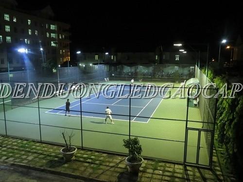 Ánh sáng sân tennis