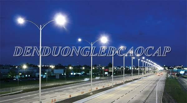 Đèn đường LED D15-200 chiếu sáng đường cao tốc