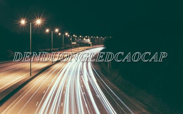 Đèn đường LED D18-200 chiếu sáng đường cao tốc