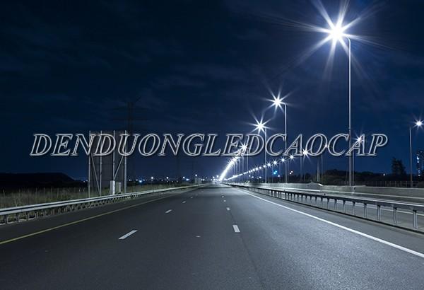 Đèn đường LED D25-200 chiếu sáng đường cao tốc
