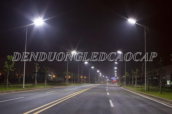 Đèn đường LED 70w chiếu sáng đường đi KCN